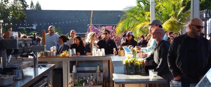 bar-crowd-wynwood-yard