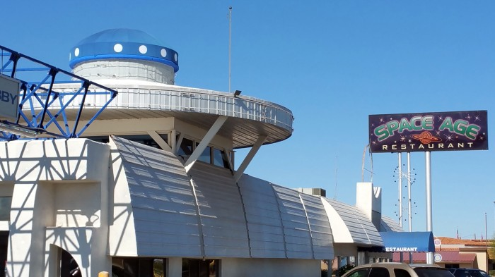 space-age-lodge-restaurant-gila