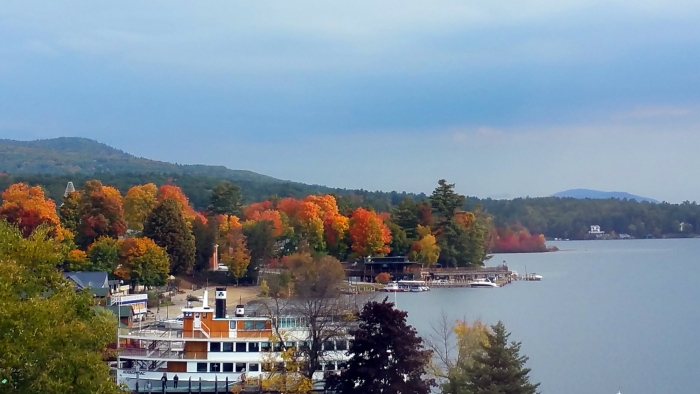 lake-george-shore-autum-colors